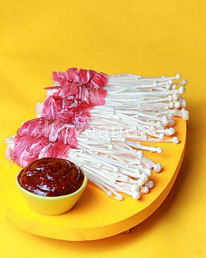 [READY 6 FEB] Spicy Beef Enoki (Frozen Food Korea HALAL)